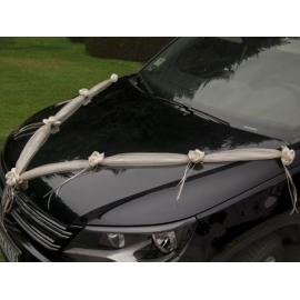 Svadobná výzdoba auta smotanová